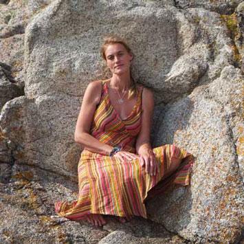 Cara Wilde on the rocks